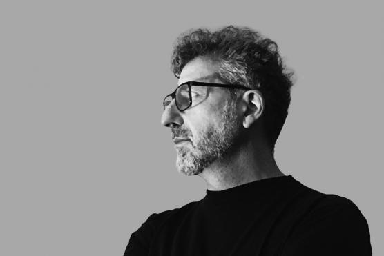 Gallardo: «No creo en la necesidad de una identidad colectiva para que el diseño ocurra, pero sí en la memoria como respaldo y acervo de los saberes y de las experiencias propias»